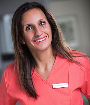 Dr. Fariba Akbar